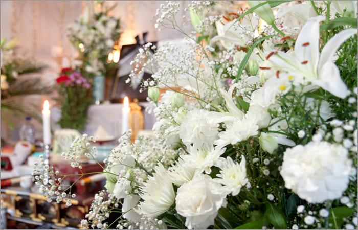 家族葬から大規模な葬儀まで、規模に合わせた式場が用意されている