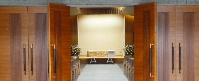 密葬と家族葬は何がちがうのですか?