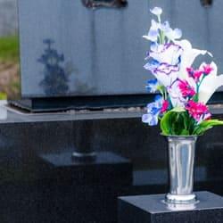 花瓶と供花