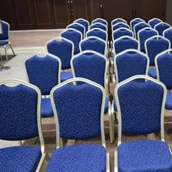 整列された椅子