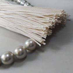 銀色の数珠